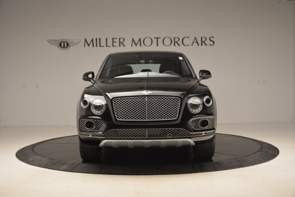 Used 2018 Bentley Bentayga Onyx Edition for sale $139,900 at Alfa Romeo of Greenwich in Greenwich CT 06830 14