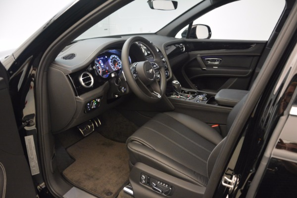 Used 2018 Bentley Bentayga Onyx Edition for sale $139,900 at Alfa Romeo of Greenwich in Greenwich CT 06830 18