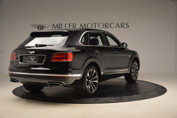 Used 2018 Bentley Bentayga Onyx Edition for sale $139,900 at Alfa Romeo of Greenwich in Greenwich CT 06830 9