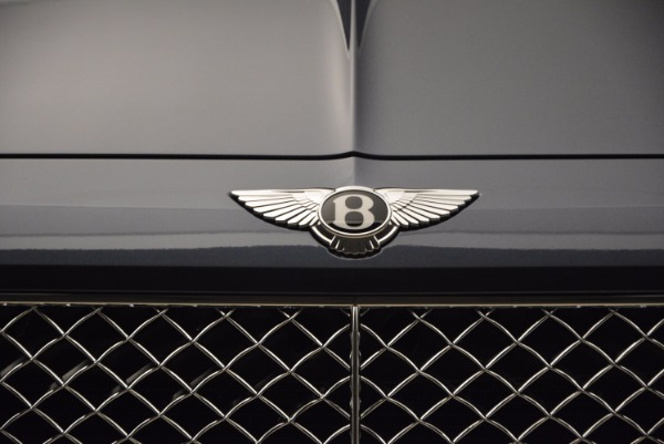 Used 2018 Bentley Bentayga Onyx for sale Sold at Alfa Romeo of Greenwich in Greenwich CT 06830 14