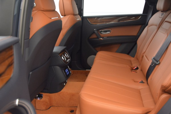 Used 2018 Bentley Bentayga Onyx for sale Sold at Alfa Romeo of Greenwich in Greenwich CT 06830 26