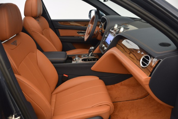 Used 2018 Bentley Bentayga Onyx for sale Sold at Alfa Romeo of Greenwich in Greenwich CT 06830 28