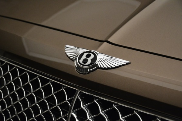 Used 2018 Bentley Bentayga W12 Signature for sale $156,900 at Alfa Romeo of Greenwich in Greenwich CT 06830 14