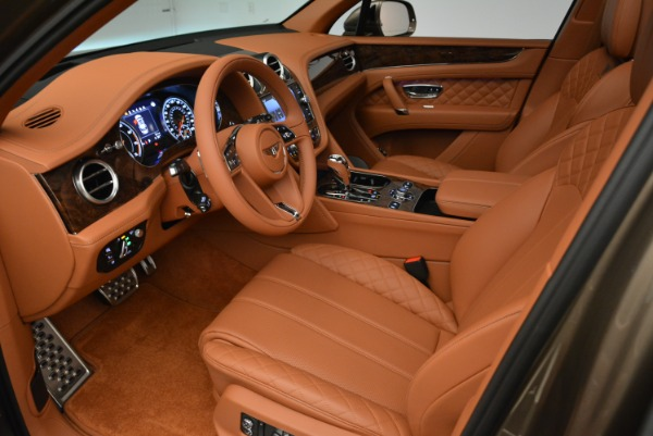 New 2018 Bentley Bentayga Signature for sale Sold at Alfa Romeo of Greenwich in Greenwich CT 06830 19