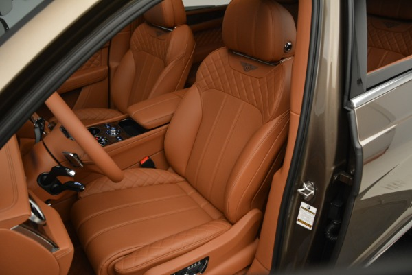 Used 2018 Bentley Bentayga W12 Signature for sale $156,900 at Alfa Romeo of Greenwich in Greenwich CT 06830 21