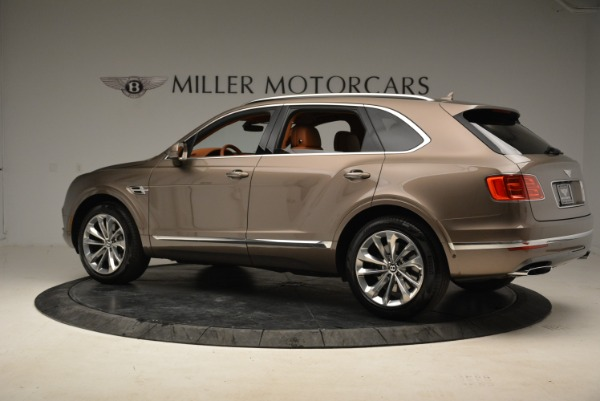Used 2018 Bentley Bentayga W12 Signature for sale $156,900 at Alfa Romeo of Greenwich in Greenwich CT 06830 4