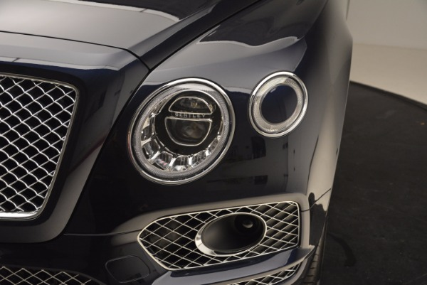 New 2018 Bentley Bentayga Signature for sale Sold at Alfa Romeo of Greenwich in Greenwich CT 06830 15