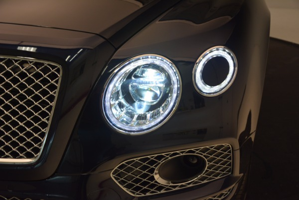 Used 2018 Bentley Bentayga W12 Signature for sale Call for price at Alfa Romeo of Greenwich in Greenwich CT 06830 16