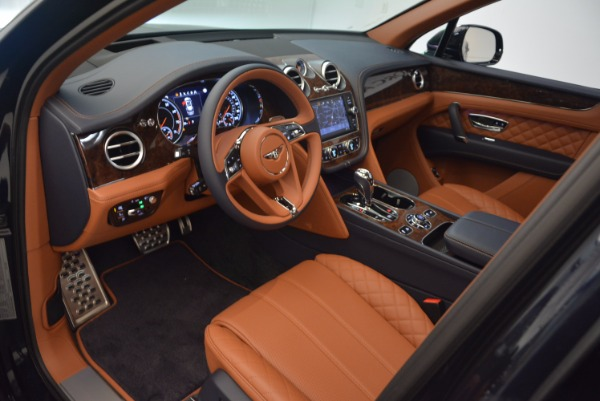 Used 2018 Bentley Bentayga W12 Signature for sale Call for price at Alfa Romeo of Greenwich in Greenwich CT 06830 22