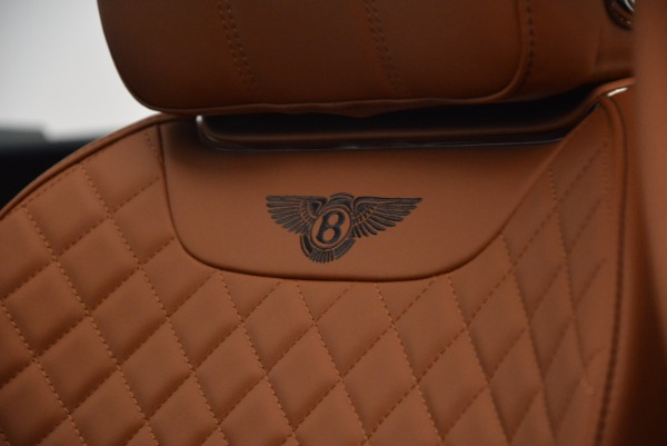 Used 2018 Bentley Bentayga W12 Signature for sale Call for price at Alfa Romeo of Greenwich in Greenwich CT 06830 25