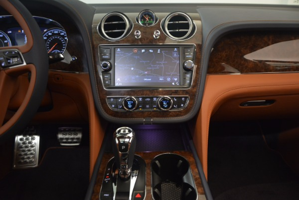 Used 2018 Bentley Bentayga W12 Signature for sale Call for price at Alfa Romeo of Greenwich in Greenwich CT 06830 27