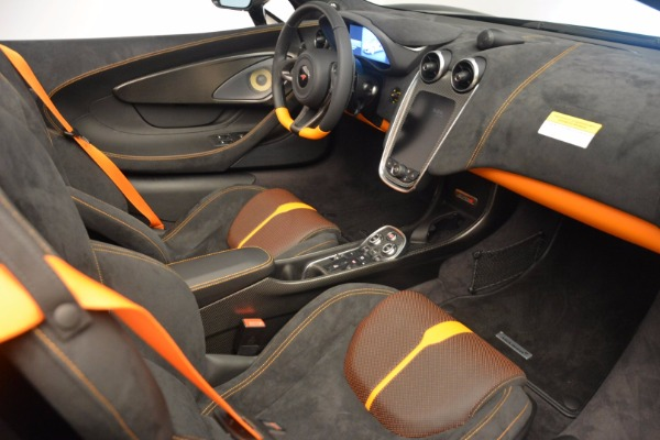 Used 2018 McLaren 570S Spider for sale Sold at Alfa Romeo of Greenwich in Greenwich CT 06830 27