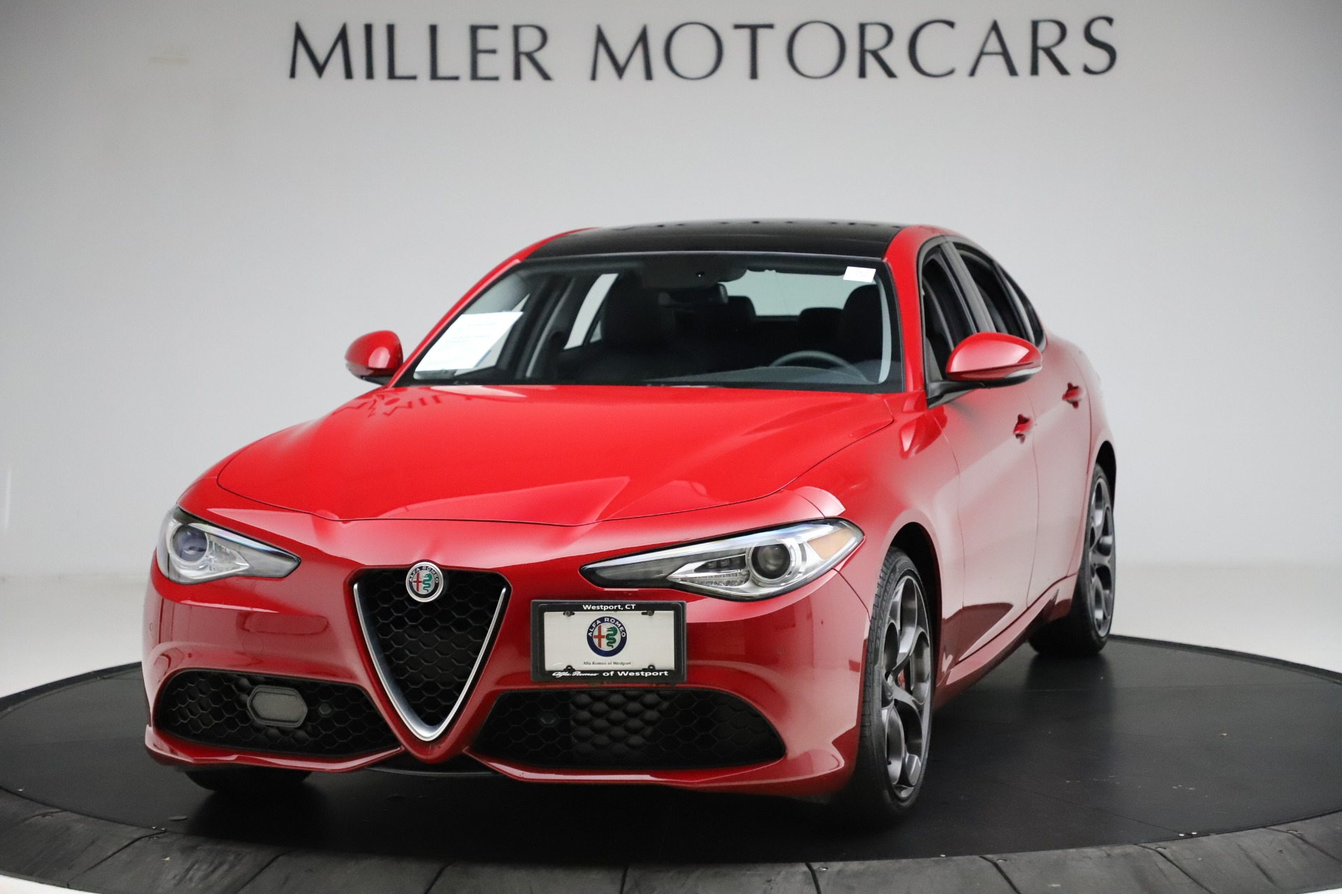 Used 2018 Alfa Romeo Giulia Ti Sport Q4 for sale $34,900 at Alfa Romeo of Greenwich in Greenwich CT 06830 1