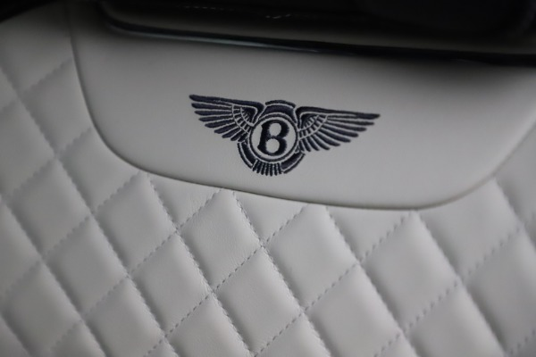 Used 2018 Bentley Bentayga W12 Signature for sale $154,900 at Alfa Romeo of Greenwich in Greenwich CT 06830 21