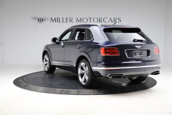 Used 2018 Bentley Bentayga W12 Signature for sale $154,900 at Alfa Romeo of Greenwich in Greenwich CT 06830 6