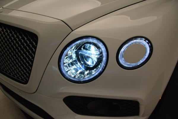 New 2018 Bentley Bentayga Black Edition for sale Sold at Alfa Romeo of Greenwich in Greenwich CT 06830 17