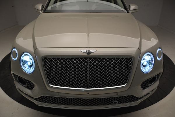 New 2018 Bentley Bentayga Signature for sale Sold at Alfa Romeo of Greenwich in Greenwich CT 06830 14