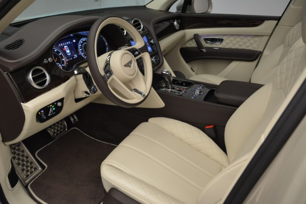 New 2018 Bentley Bentayga Signature for sale Sold at Alfa Romeo of Greenwich in Greenwich CT 06830 18