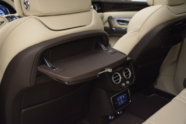 New 2018 Bentley Bentayga Signature for sale Sold at Alfa Romeo of Greenwich in Greenwich CT 06830 23
