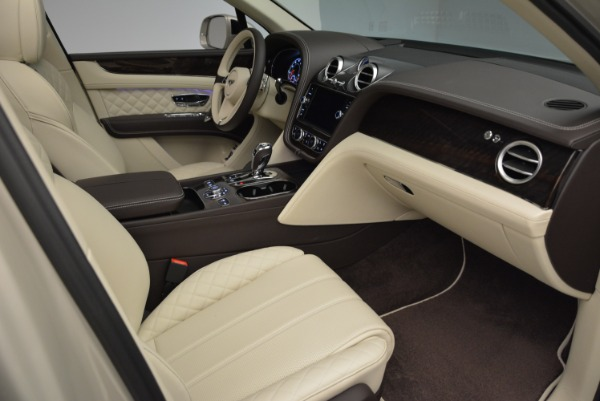 New 2018 Bentley Bentayga Signature for sale Sold at Alfa Romeo of Greenwich in Greenwich CT 06830 26