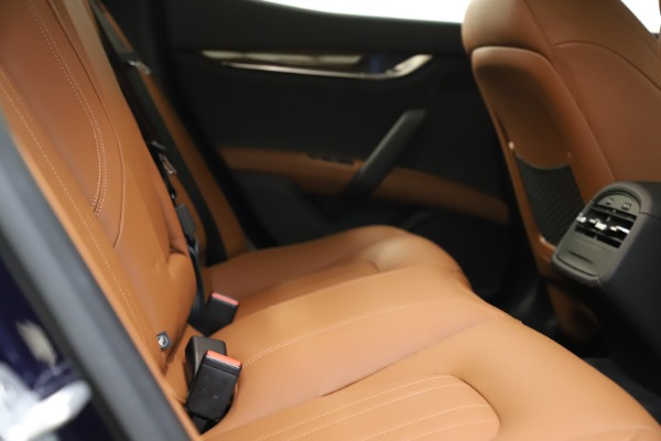 Used 2018 Maserati Ghibli S Q4 for sale Sold at Alfa Romeo of Greenwich in Greenwich CT 06830 23