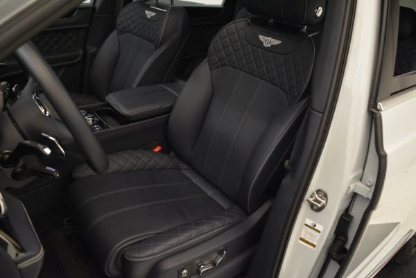 Used 2017 Bentley Bentayga for sale Sold at Alfa Romeo of Greenwich in Greenwich CT 06830 21