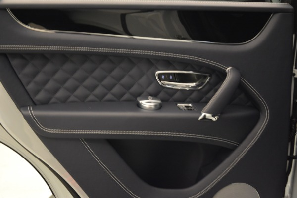 Used 2017 Bentley Bentayga for sale Sold at Alfa Romeo of Greenwich in Greenwich CT 06830 23