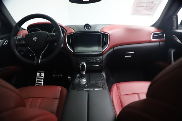 Used 2018 Maserati Ghibli S Q4 GranSport for sale Call for price at Alfa Romeo of Greenwich in Greenwich CT 06830 16
