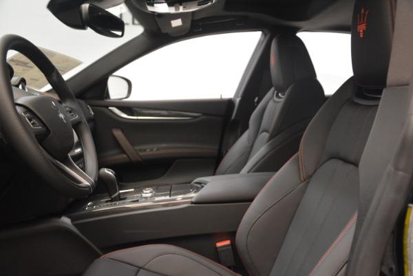 Used 2018 Maserati Ghibli S Q4 Gransport for sale $55,900 at Alfa Romeo of Greenwich in Greenwich CT 06830 15