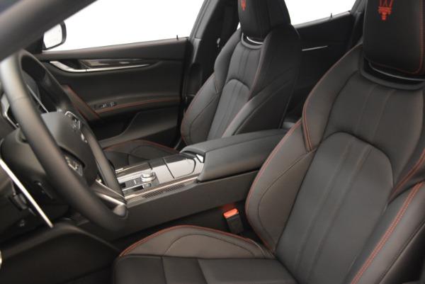 Used 2018 Maserati Ghibli S Q4 Gransport for sale $55,900 at Alfa Romeo of Greenwich in Greenwich CT 06830 16