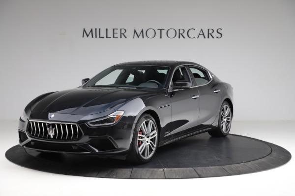 Used 2018 Maserati Ghibli S Q4 Gransport for sale $55,900 at Alfa Romeo of Greenwich in Greenwich CT 06830 2