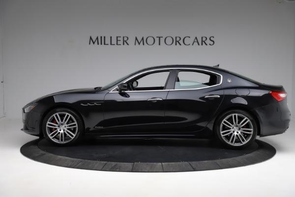 Used 2018 Maserati Ghibli S Q4 Gransport for sale $55,900 at Alfa Romeo of Greenwich in Greenwich CT 06830 3