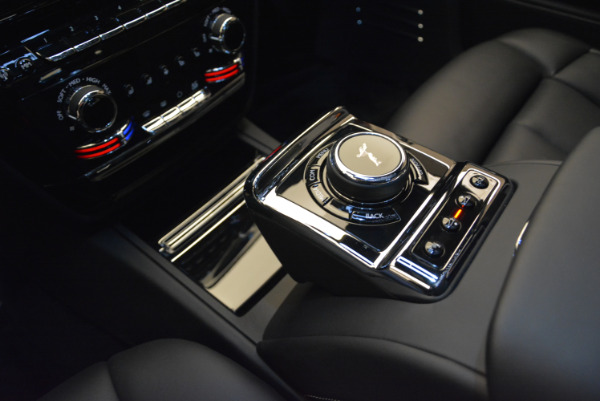 Used 2018 Rolls-Royce Phantom for sale Sold at Alfa Romeo of Greenwich in Greenwich CT 06830 15