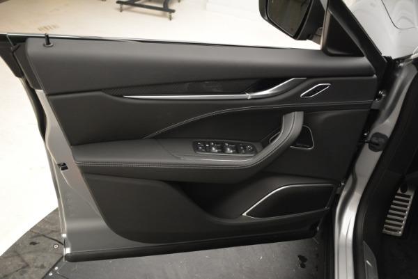 New 2018 Maserati Levante Q4 GranSport for sale Sold at Alfa Romeo of Greenwich in Greenwich CT 06830 17
