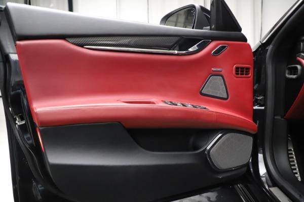 Used 2018 Maserati Quattroporte S Q4 GranSport for sale $67,900 at Alfa Romeo of Greenwich in Greenwich CT 06830 17