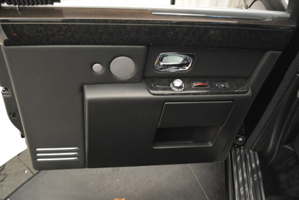 Used 2014 Rolls-Royce Phantom EWB for sale Sold at Alfa Romeo of Greenwich in Greenwich CT 06830 13