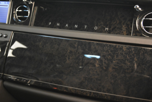 Used 2014 Rolls-Royce Phantom EWB for sale Sold at Alfa Romeo of Greenwich in Greenwich CT 06830 24