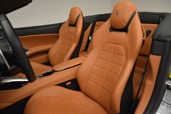 Used 2017 Ferrari California T Handling Speciale for sale Sold at Alfa Romeo of Greenwich in Greenwich CT 06830 27