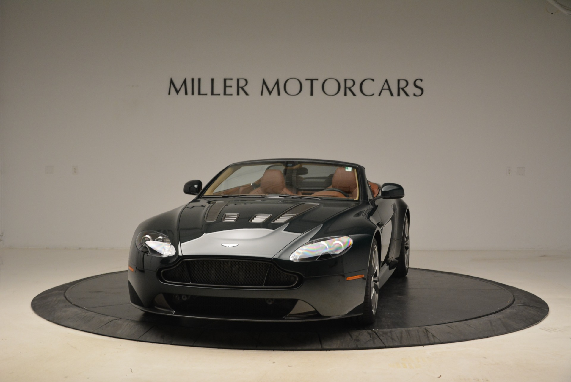 Used 2017 Aston Martin V12 Vantage S Roadster for sale Sold at Alfa Romeo of Greenwich in Greenwich CT 06830 1