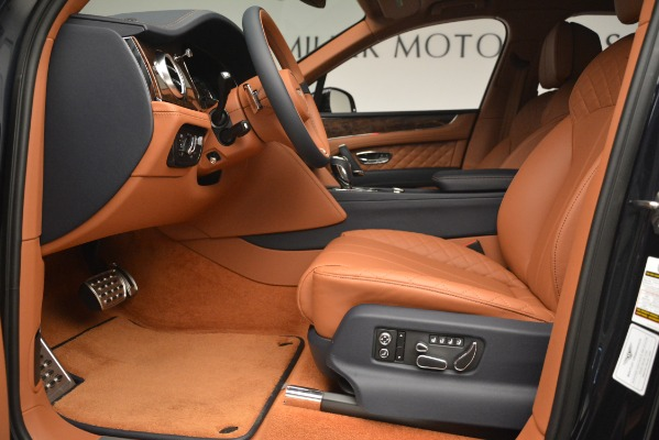 Used 2018 Bentley Bentayga Signature for sale Sold at Alfa Romeo of Greenwich in Greenwich CT 06830 18