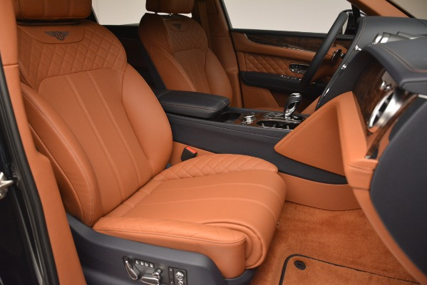 Used 2018 Bentley Bentayga Signature for sale Sold at Alfa Romeo of Greenwich in Greenwich CT 06830 28