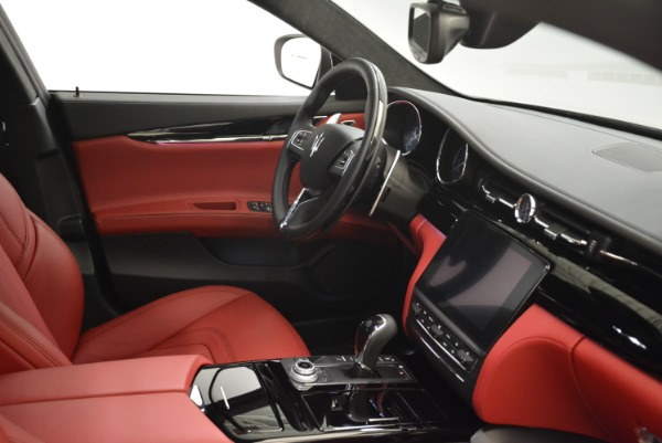 New 2018 Maserati Quattroporte S Q4 GranLusso for sale Sold at Alfa Romeo of Greenwich in Greenwich CT 06830 27