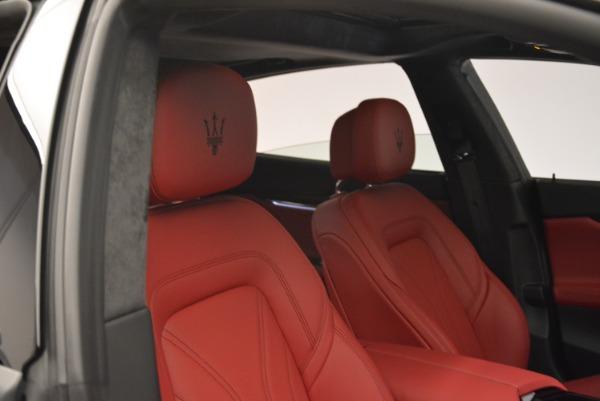 New 2018 Maserati Quattroporte S Q4 GranLusso for sale Sold at Alfa Romeo of Greenwich in Greenwich CT 06830 25