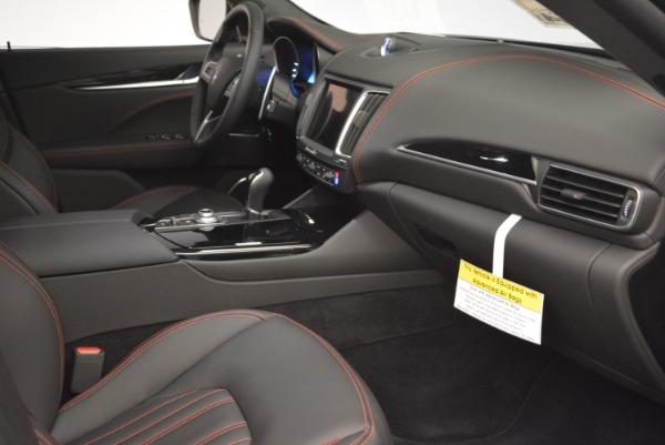 New 2018 Maserati Levante Q4 for sale Sold at Alfa Romeo of Greenwich in Greenwich CT 06830 25