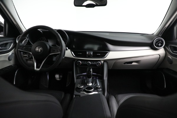 Used 2018 Alfa Romeo Giulia Ti Sport Q4 for sale $34,900 at Alfa Romeo of Greenwich in Greenwich CT 06830 22