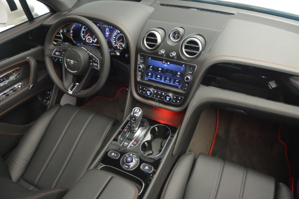 Used 2019 Bentley Bentayga V8 for sale $159,900 at Alfa Romeo of Greenwich in Greenwich CT 06830 28