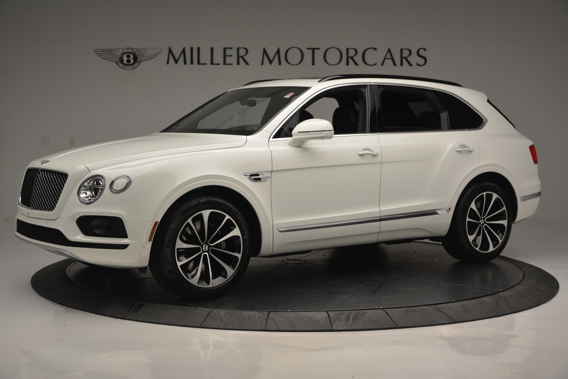 Used 2019 Bentley Bentayga V8 for sale $159,900 at Alfa Romeo of Greenwich in Greenwich CT 06830 1