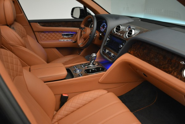 Used 2018 Bentley Bentayga W12 Signature for sale Sold at Alfa Romeo of Greenwich in Greenwich CT 06830 24