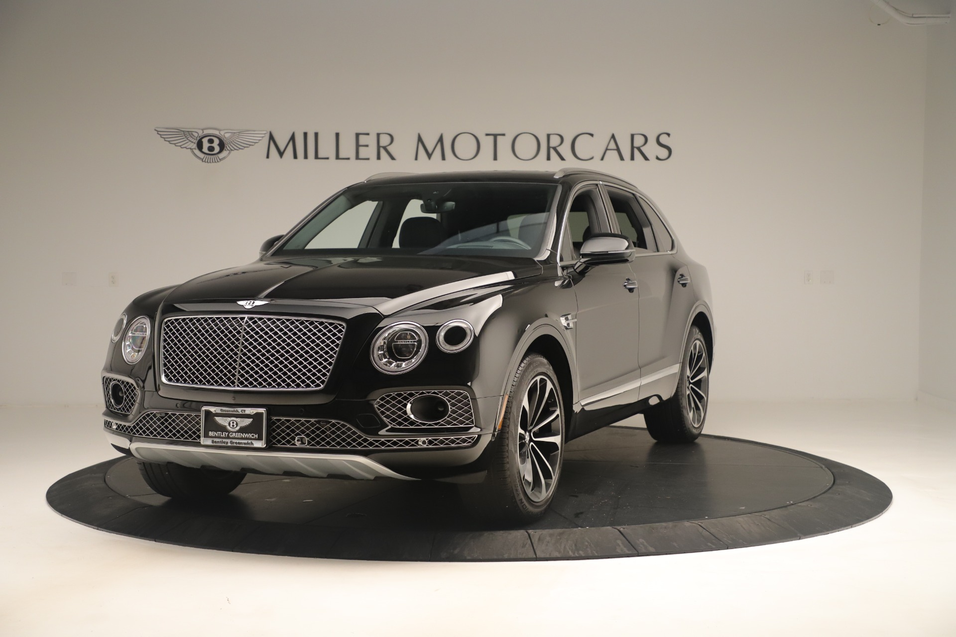 Used 2018 Bentley Bentayga W12 Signature for sale Sold at Alfa Romeo of Greenwich in Greenwich CT 06830 1