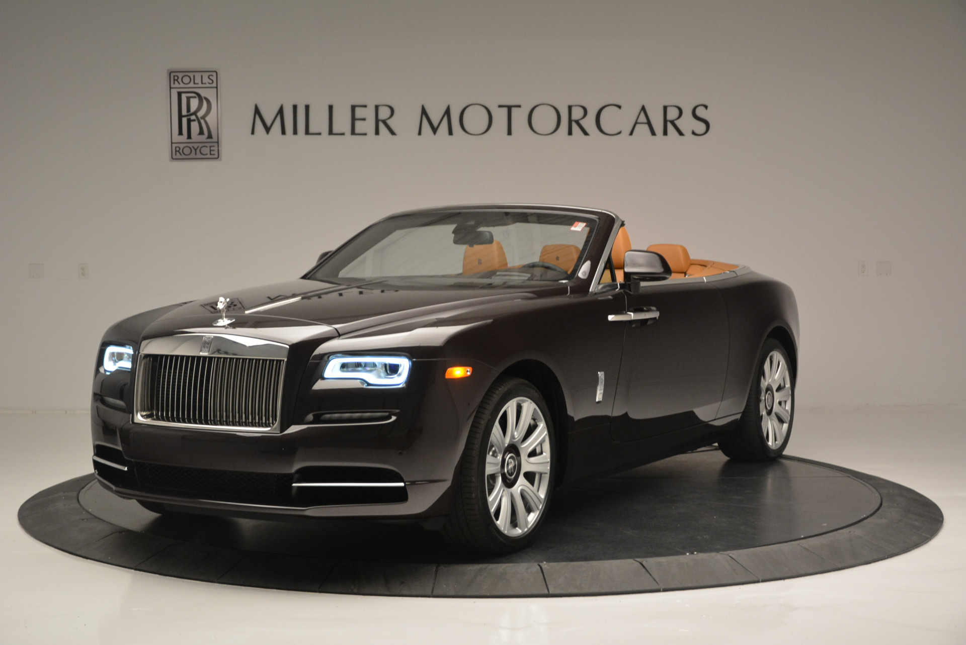 Used 2018 Rolls-Royce Dawn for sale Sold at Alfa Romeo of Greenwich in Greenwich CT 06830 1